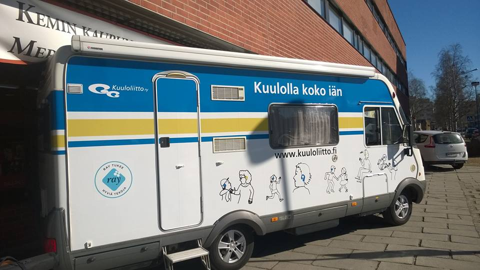 Kuva: Kuuloauto Kemin Monitoimitalolla 11.5.2016. Kuva: Eija Isaksson.
